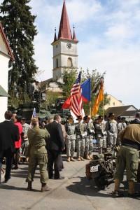 Američtí kavaleristé uctili i v roce 2015 památku svých předchůdců, kteří bojovali v Operaci Kovboj.