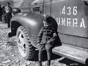 Pomoc UNRRA byla velmi vítáná i mezi dětmi.